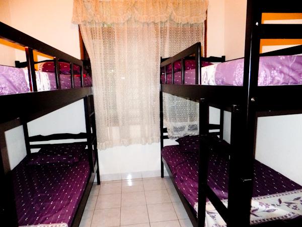 Sava Guesthouse Bandung - Kamar 4 in 1
